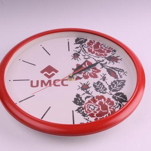 Настенные часы с логотипом